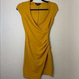 Yellow fitted dress!